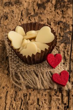 Heart shaped chocolates - image gratuit #183001