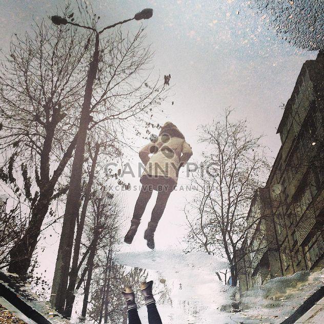 Réflexion dans la flaque d'eau - image gratuit #183371