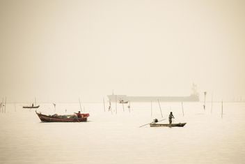 Fisherboats on the water - image #183411 gratis