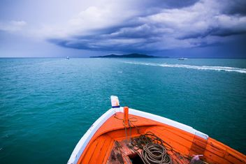 Boat sailing in ocean - бесплатный image #183471