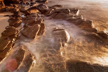 Stones in the sea - image #185631 gratis