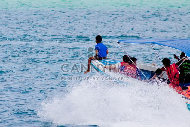 Children in speed boat - Free image #185651
