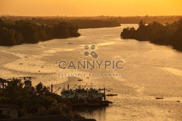 Coucher de soleil à rivière - image gratuit #186371