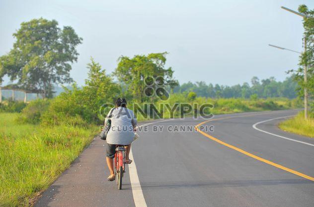 мужчина на велосипеде - Free image #186381