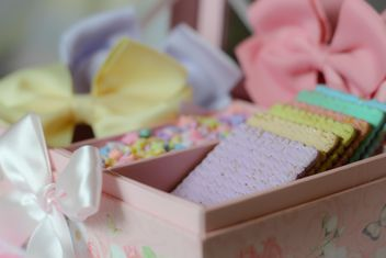 pastel Cookies decorated with ribbons - Kostenloses image #187631