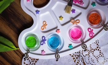 Palette with colorful glitter - Kostenloses image #187651