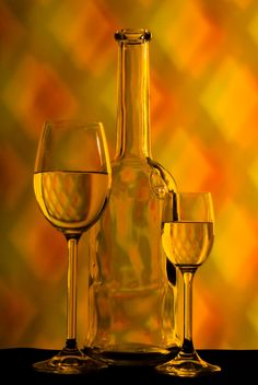 Goblets and bottle - image #187741 gratis