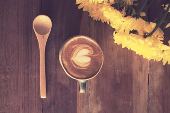 Coffee latte and spoon - image gratuit #197921