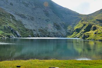 Glacier lake in Carpathians mountains - бесплатный image #198141