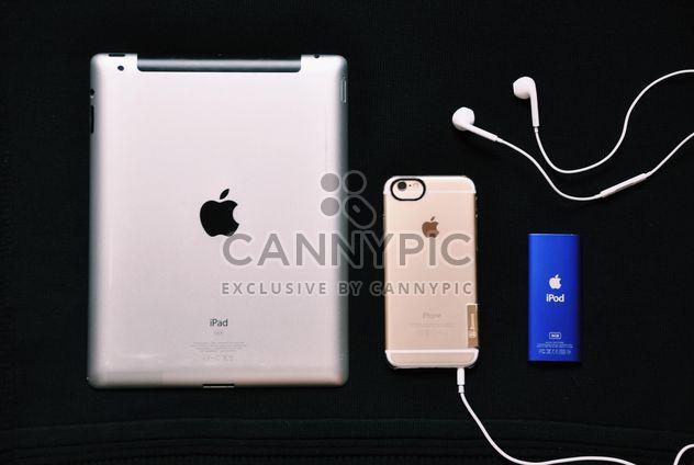 Génération d'Apple. Avec ou sans décorations. - image gratuit(e) #198701