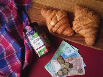 Raspberry jam and two croissant - image gratuit #198831