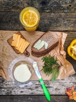 breakfast with sandwich and juice - image gratuit #198941