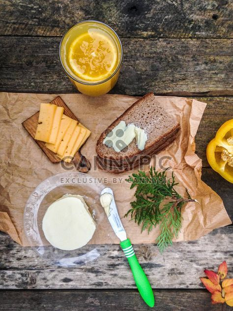 breakfast with sandwich and juice - Kostenloses image #198941