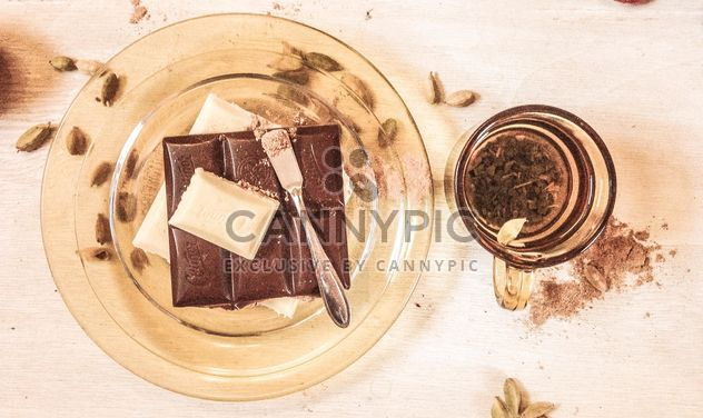 #mirta cinnamon, food, eat, coriander, gold, white black milk chocolate, glass plate, aesthetics, vitamins, breakfast, lunch, cup of tea - Free image #199051