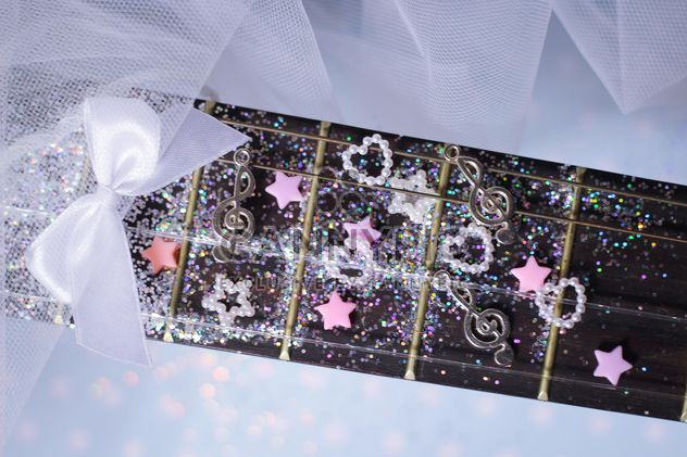 paillettes de guitare girly - image gratuit(e) #201031