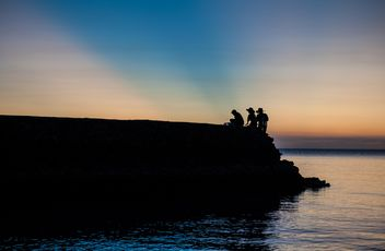 Silhouettes at sunset - image gratuit #271871