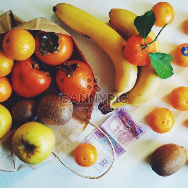Fruits pour 3 dollars, Chernivtsi, Ukraine - image gratuit #272271