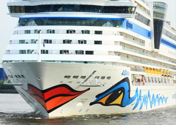 Cruise ship Aida Stella Starts from Hamburg - image #273731 gratis
