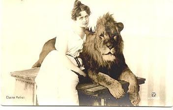 lady lion tamer (postcard) - image gratuit #275341