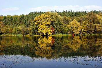 Autumn lake - image #280931 gratis
