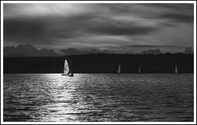 White Sail - image #293531 gratis