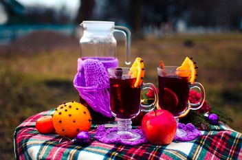 Glasses of hot mulled wine - image gratuit #297511