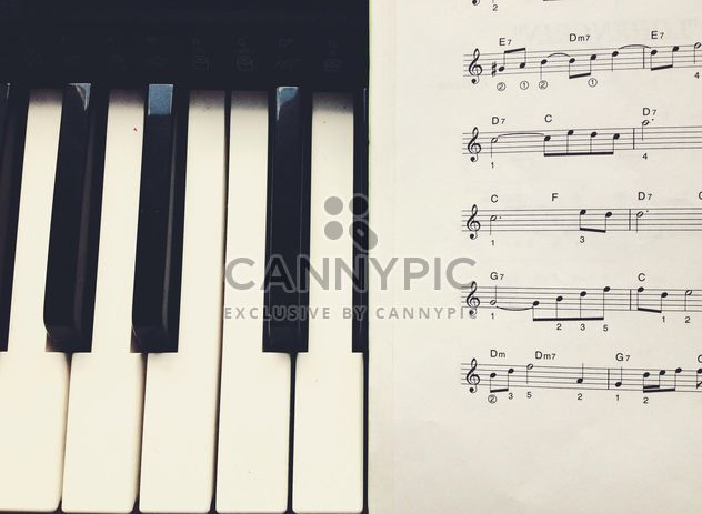 Notes et piano - image gratuit #301341