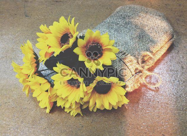fleurs dans un sac - image gratuit(e) #301391