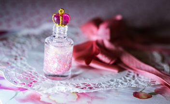 nailpolish with crown of princess - image gratuit #302411