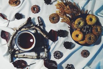 Black tea and cookies - image #302851 gratis