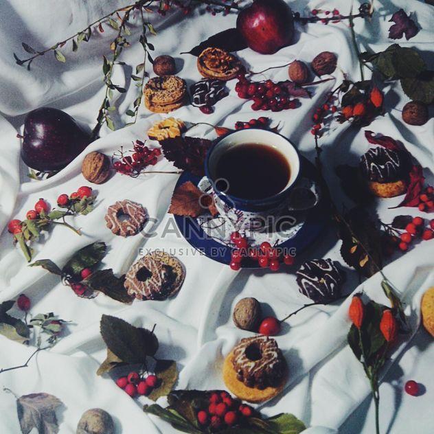 Schwarzer Tee und cookies - Kostenloses image #302861