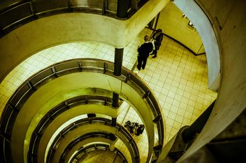 Urban spiral staircase - image gratuit #304461