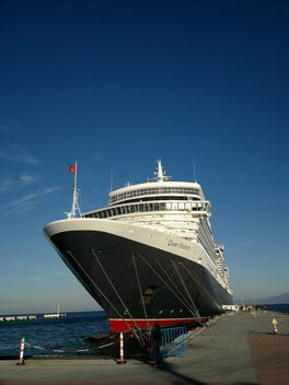 Queen Elizabeth Cruise Ship - image gratuit(e) #304631