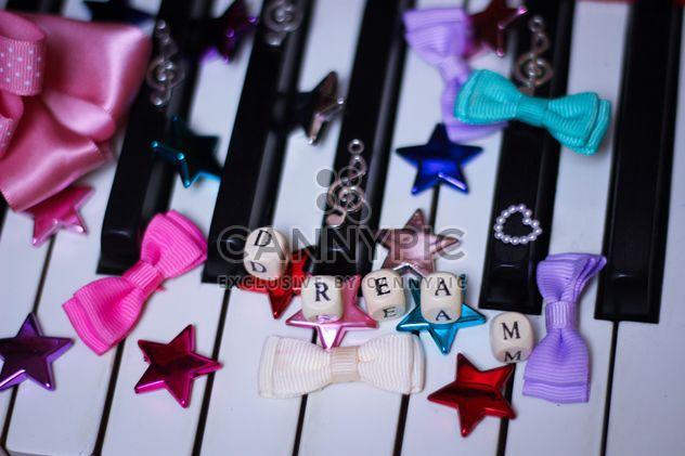 Украшенные фортепиано - бесплатный image #304641