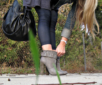 rosegold boots+jeggings+ferragamo bag+outfit+fashion+style+ - Free image #314491