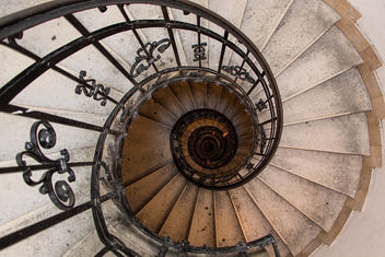 Spiral stairs in Saint Istvan Basilika in Budapest - image gratuit(e) #321331
