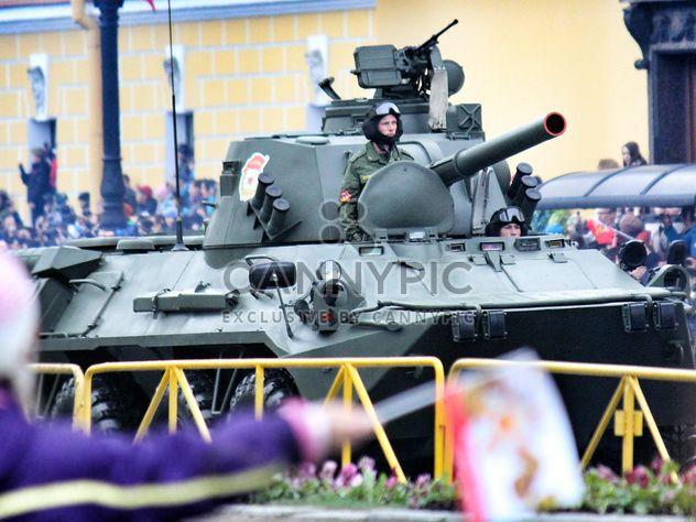 9 mai un défilé militaire sur la place Dvortsovoy - Free image #328421