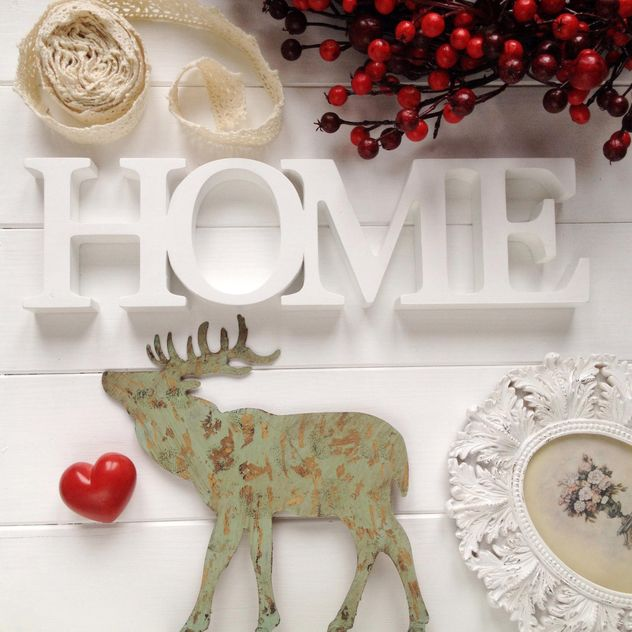 Wooden elk, red heart, word Home and red berries - image gratuit(e) #329081