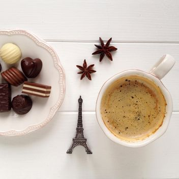 Cup of coffee, candies and anise - image #329091 gratis