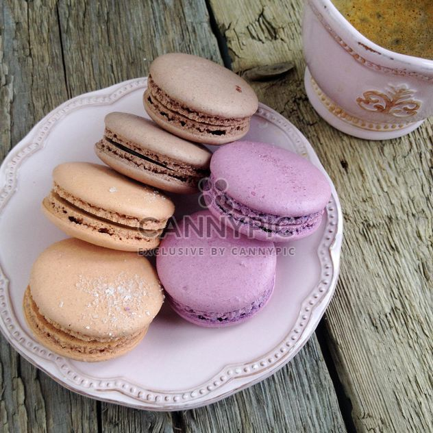 Macaroons and cup of coffee - Free image #329121