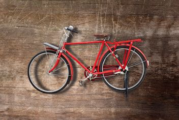 Red vintage bicycle - image gratuit #330311