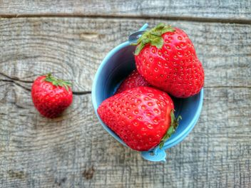 Strawberries in a bowl - image gratuit #330691