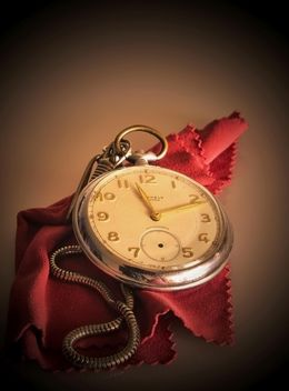 old pocket watch - image #330911 gratis