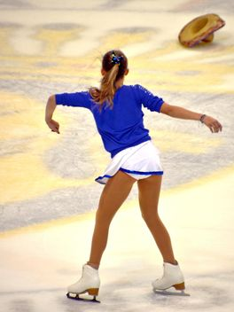 Ice skating dancer - image gratuit #330931