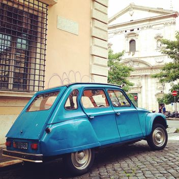 Blue Citroen car on street of Rome - image gratuit #331061