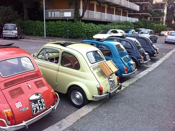 Colorful Fiat 500 cars - image #331201 gratis