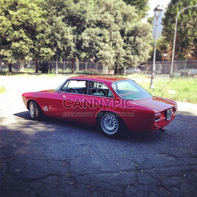 Viejo coche Alfa Romeo - image #331311 gratis