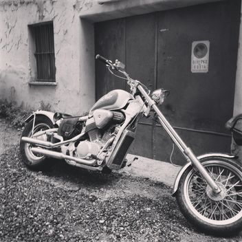 Retro motorcycle, black and white - image gratuit(e) #331451