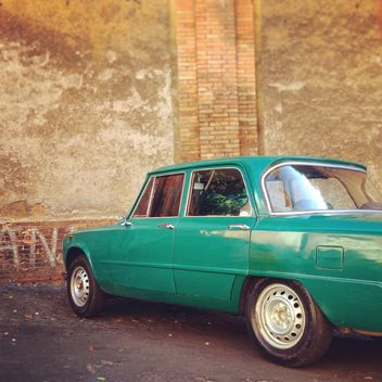 Green Alfa Romeo car - бесплатный image #331491