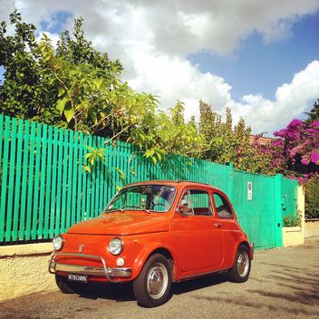 Old red Fiat car - image gratuit(e) #331731
